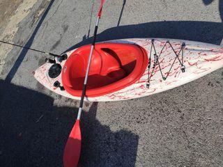 kayak de pesca. nuevo.