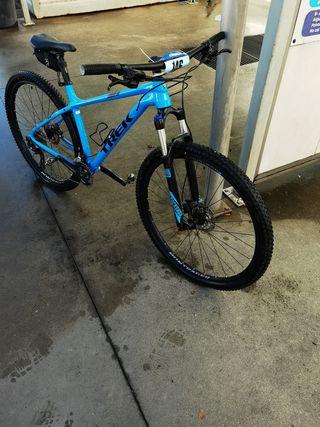 Trek Caliber L 29 azul