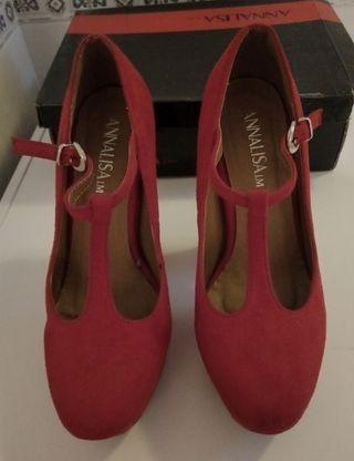 Zapatos rojos de tacón número 38