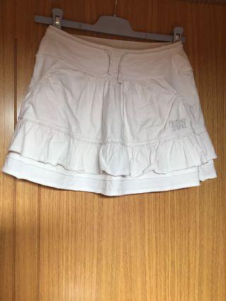 Falda blanca. Talla 8 años