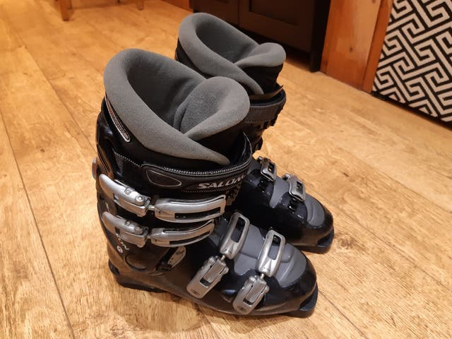 Ski boots Salomon (UK 7 1/2, EUR 41)