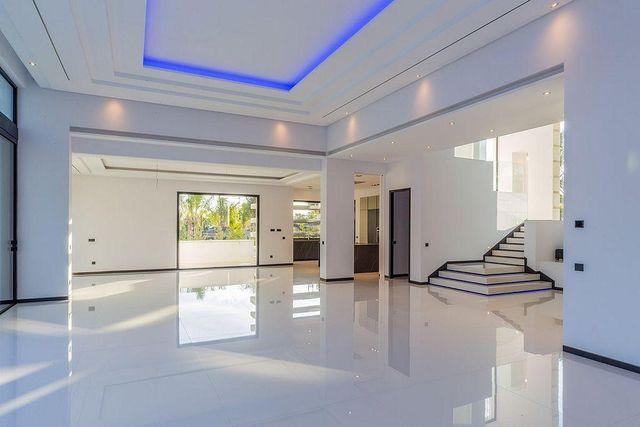 Villa en venta en San Pedro de Alcántara en Marbella (Marbella, Málaga)