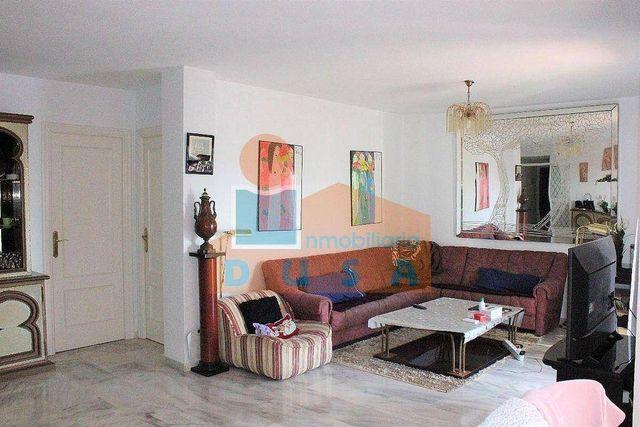 Piso en venta en Paraíso - Atalaya- Benamara en Estepona (Atalaya Isdabe, Málaga)