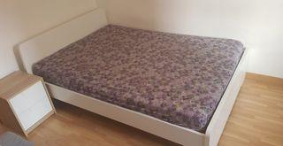 Cama y colchón como nuevos
