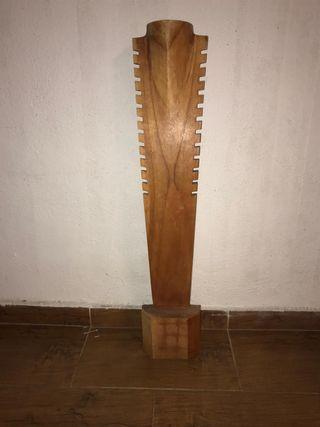 Expositor de collares, madera