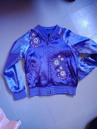 vendo chaqueta raso 7-8 años