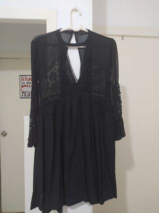 Vestido negro SFERA con encaje talla S