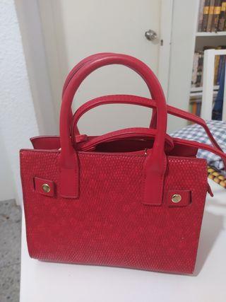 bolso pequeño rojo