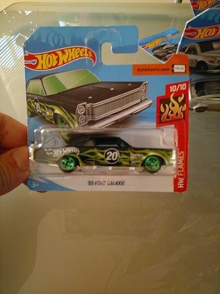Hot Wheels Ford Galaxie del 65
