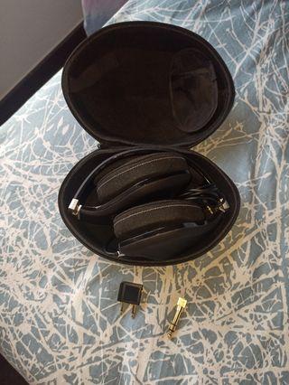 Cascos audio Magnat Lzr980