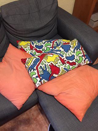2 Almohadas ikea para sofa