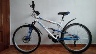 Bicicleta MTB 26' full suspension casi sin uso