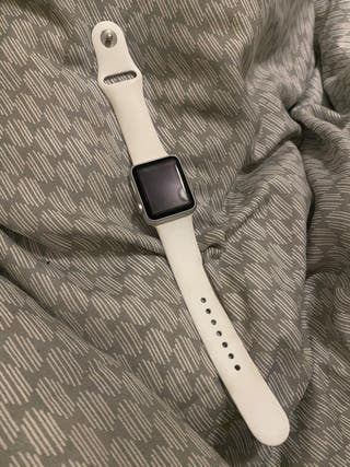 White strap Apple Watch series 3