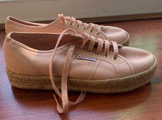 Zapatillas superga rosa claro