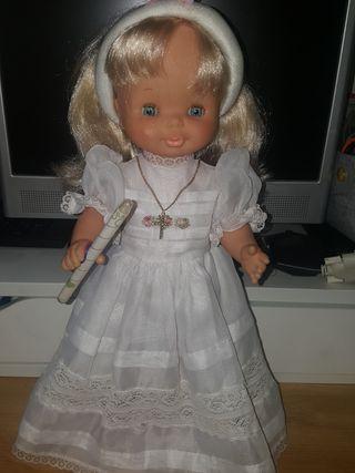 Muñeca Famosa Helen de comunión antigua