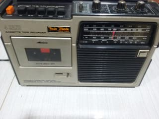 Radio antigua con cassette Fair Mate