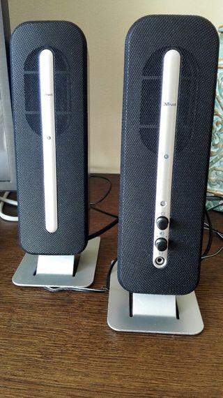 Altavoces Trust 2.0 speaker