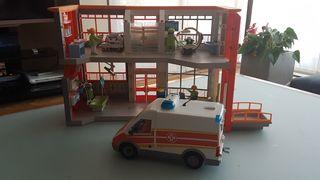 Hospital Playmobil con ambulancia