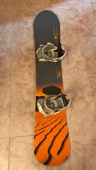 Tabla de snowboard rossignol nomad con fijaciones