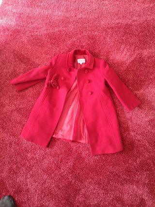 abrigo rojo capota 2 a 3 años. da talla. PAMELA