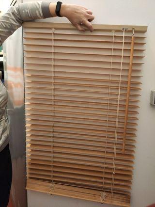 4 persianas de madera veneciana.