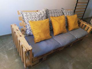 Sofá de Palet con cojines