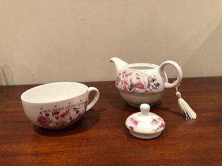 Taza tetera porcelana, decoración floral. Sin uso