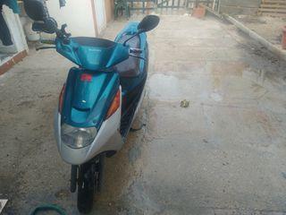 Suzuki Adress 49cc