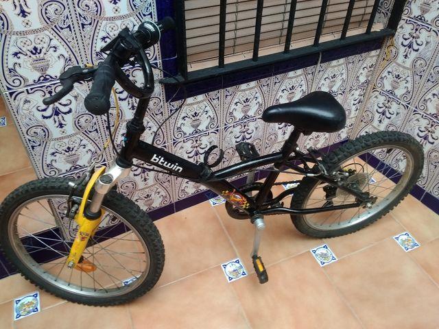 """Bicicleta B'twin 22"""""""