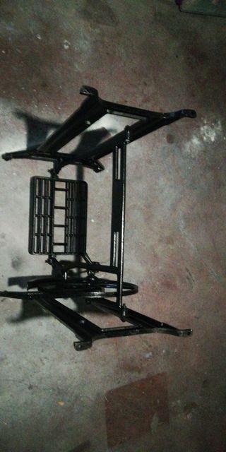 pie máquina de coser restaurada