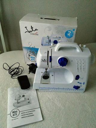 Máquina de coser mini.