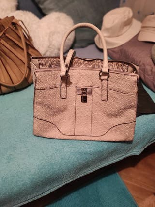 Bolso GUESS color beige