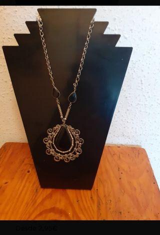 Expositor collares y cadenas