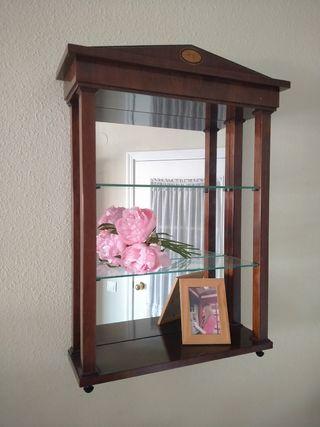 Espejo con estantes. Caoba maciza y vidrio