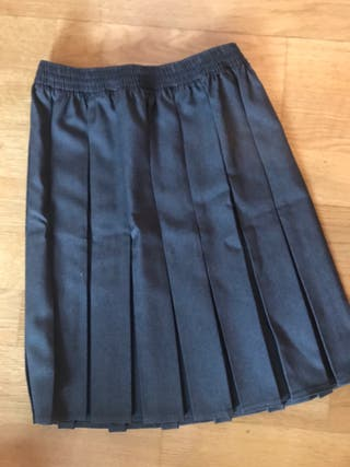 Falda plisada gris -Talla 8-9 años