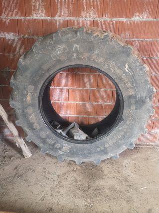 Neumático Tractor