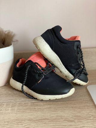 Zapatillas niña 25