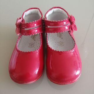 Zapato charol talla 24