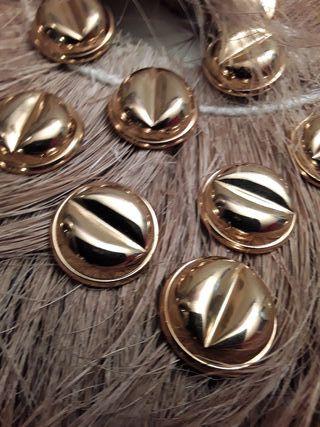Botones dorados merceria