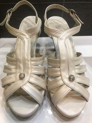 Sandalias de novia T-38