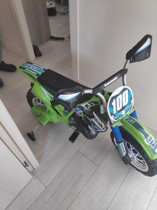moto kawasaki niño
