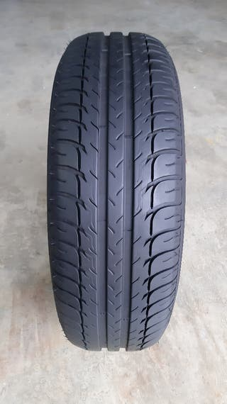 1 x Neumático BFGoodrich 205 65 15 94H