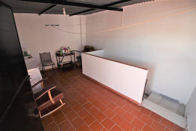 INMOMÁLAGA VENDE AMPLIA CASA EN CENTRO DE COIN (Coín, Málaga)