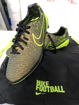Botas Nike Magista