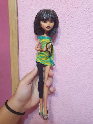 Monster High Cleo de Nile fiesta