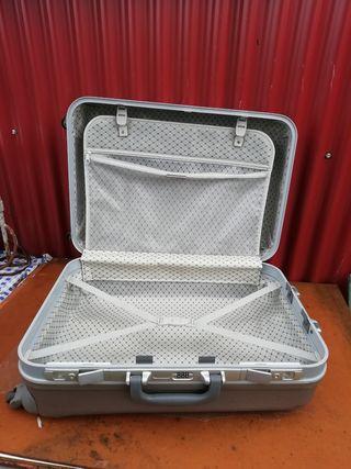 maleta de viaje rigida