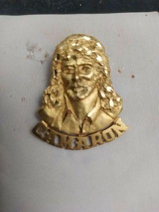 Pieza de oro , Rostro y nombre de Camarón