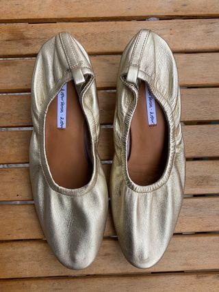 Bailarinas de piel con tacón, & Other Stories
