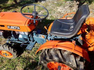 Vendo mini tractor Kubota B5000