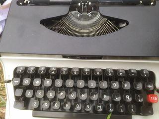Máquina de escribir Hanimex Regal
